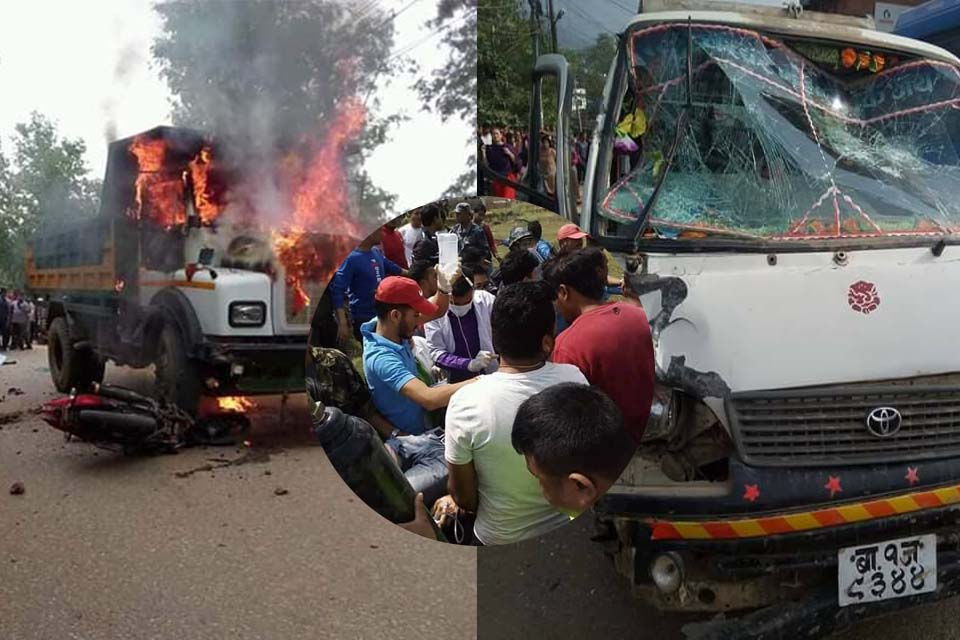 accident microbus and motorcycle