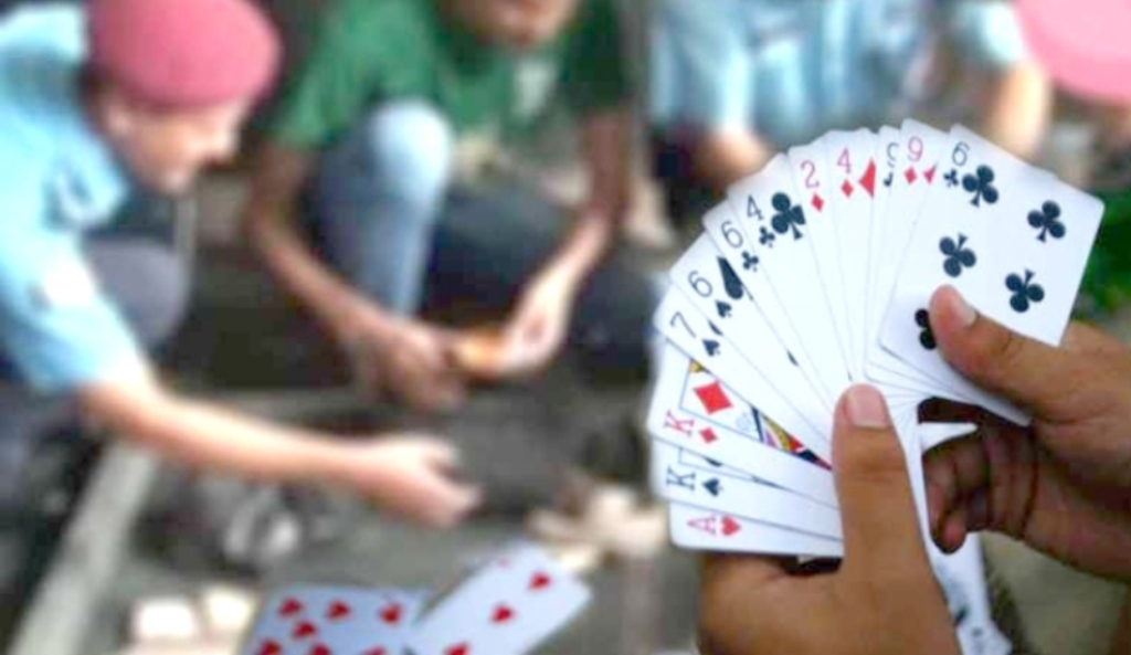 arrested card players in nuwakot hotel
