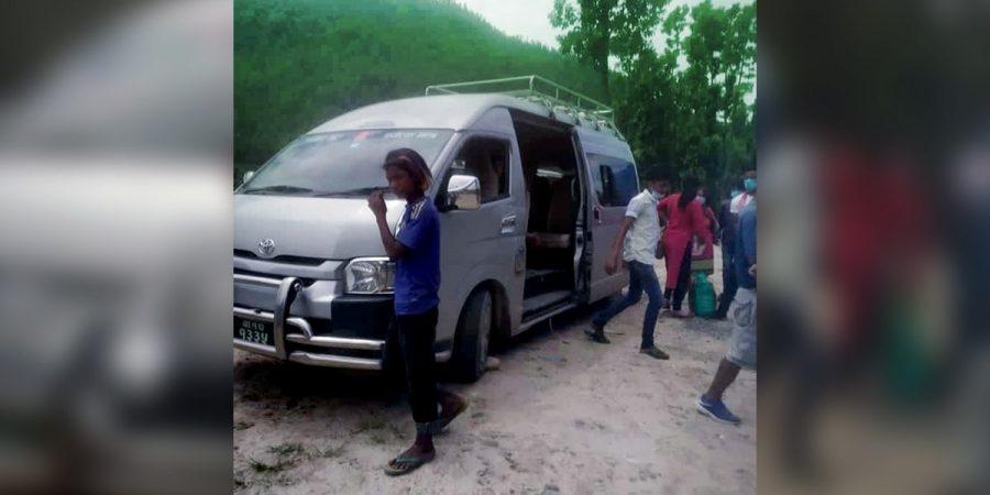 crime public vehicle nuwakot-min