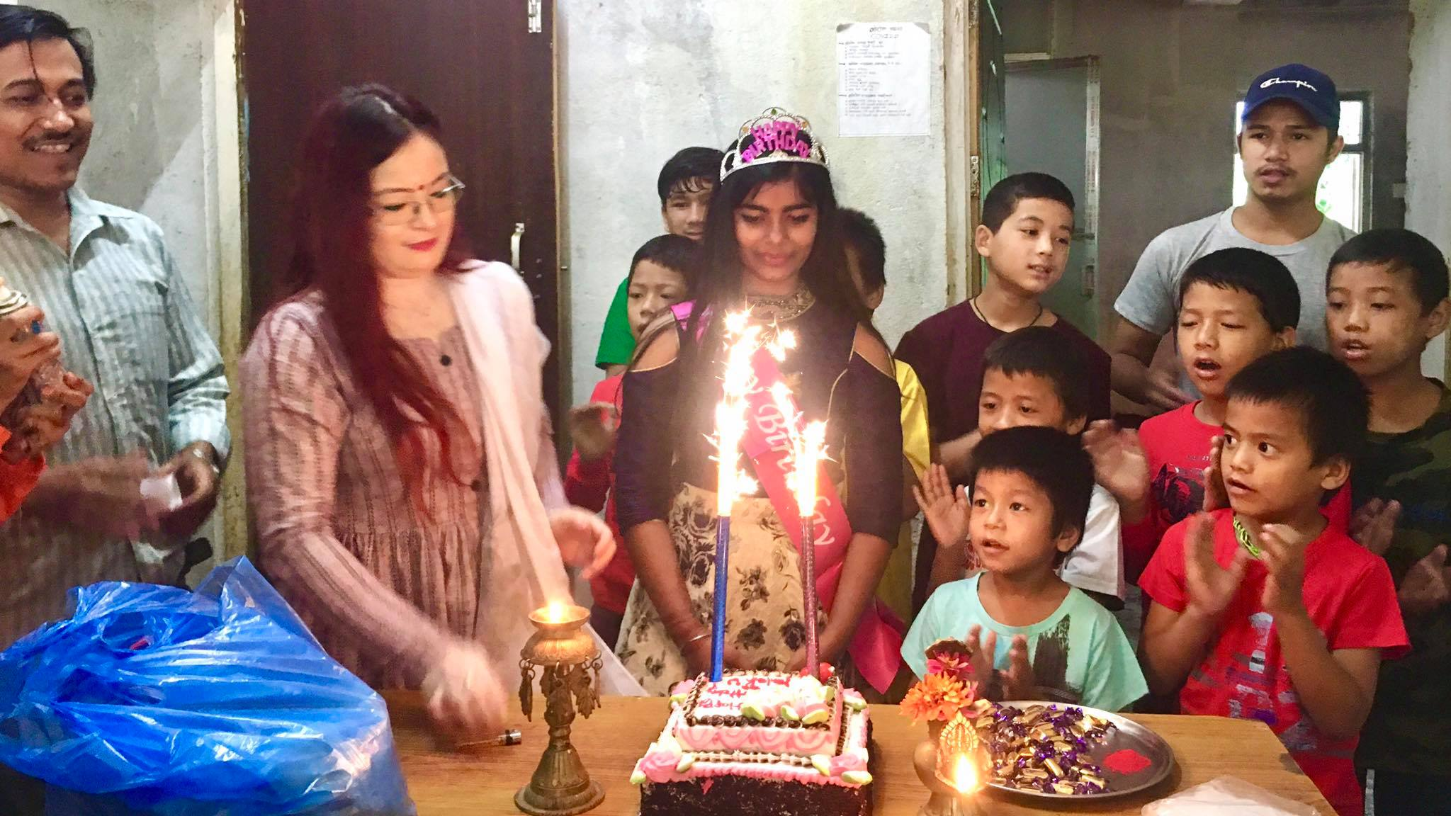 palak shah birthday celebrate to Orphan children nuwakot