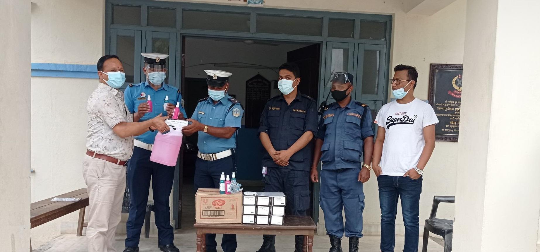 sujim bazar nuwakot distribute health equipment to nuwakot police in pandemic period