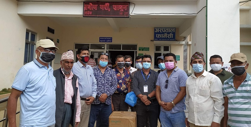 phaniraj lohani provided oxeygen concerntator to trishuli and kharanitar hospital